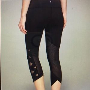 Lululemon Women's black running tights size 8